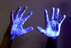 Things That Glow in Black or Ultraviolet Light: Laundry Detergent and Other Cleaners Glow Under UV Light
