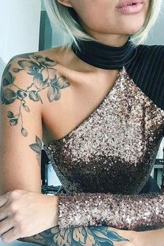 BEST-SHOULDER-TATTOOS-FOR-WOMEN