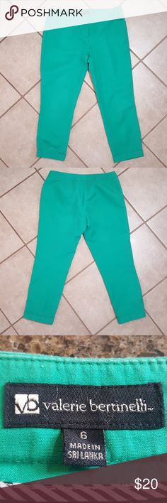 Valerie Bertinelli S6 Green Capri Pants Valerie Bertinelli Size 6 Green Capri Pants. Cuffed Leg. Pockets in front. Preowned Good Condition. Only worn a few times.  95% cotton 5% elastane material. Valerie Bertinelli Pants Capris