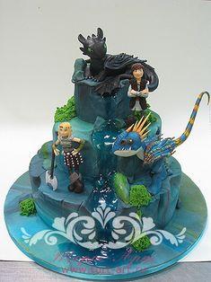"""Детские торты — Детский торт """"Как приручить дракона"""" Dragon Birthday Cakes, Dragon Birthday Parties, 3rd Birthday Cakes, Dragon Cakes, Dragon Party, Toothless Party, Toothless Cake, Dino Cake, How To Train Dragon"""