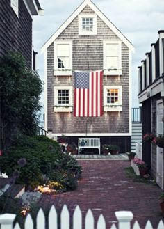 Looks like West Yarmouth possibly, Cape Cod. Gotta love the Cape. connoisseursoflife: Americana Connoisseurs of Life Club Monaco, Land Of The Free, Home Of The Brave, H & M Home, Art Deco, Beach Cottages, Beach Houses, The Ranch, Coastal Living