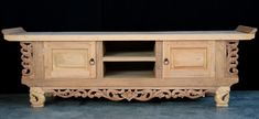 #plasmastand #rawwood #handcarved Green Furniture, Natural Interior, Green Rooms, Raw Wood, Tv Unit, Hand Carved, Carving, Cabinet, Interior Design