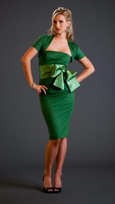 Bustier, pencil skirt, and short sleeve cropped jacket. lined in silk( shown in warm green, with warm green Obi sash) Stylish Dresses, Stylish Outfits, Pear Shaped Outfits, Peplum Dress, Dress Up, Stylish Eve, Fashion Books, Fashion Art, Designer Gowns