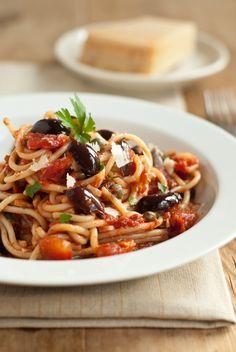spaghetti putanesca... Super easy to make and tastes delish!