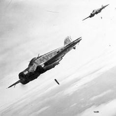 SIAI S.79 dell'Aviazione Legionaria in azione di bombardamento