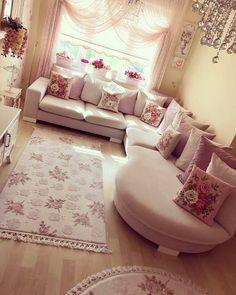Stunning Ideas To Decorate Stylish Living Room Pink Living Room, Chic Living Room, Stylish Living Room, Home Decor Bedroom, Dining Room Makeover, Home, Childrens Room Furniture, Living Room Sofa Design, Living Room Designs