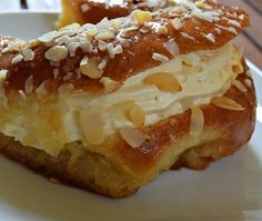 Greek Sweets, Greek Desserts, Greek Recipes, Cookbook Recipes, Cooking Recipes, Pastry Cake, Sweet Life, Brunch Recipes, Bakery