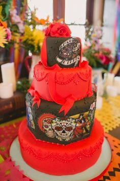Day of the Dead cake // photo by Vanessa Velez, cake by C+M Cake Designers // http://ruffledblog.com/dia-de-los-muertos-wedding-ideas