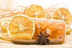 how to make glycerin soap Aloe Vera Creme, Belleza Diy, Diy Beauty Projects, Homemade Cosmetics, Glycerin Soap, Homemade Beauty Products, Soap Recipes, Natural Cosmetics, Soap Making