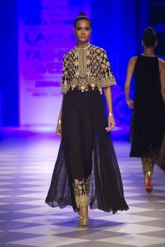 Anita Dongre Fall/Winter 2014 - 15 at Lakme Fashion Week Pakistani Party Wear, Pakistani Dresses, Indian Dresses, Indian Outfits, India Fashion, Ethnic Fashion, Asian Fashion, Fashion Show, London Fashion