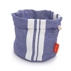 Keep your bread toasty and fresh in this bread basket.