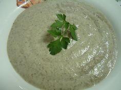 Una deliciosa receta de Crema de champiñones para #Mycook http://www.mycook.es/receta/crema-de-champinones/