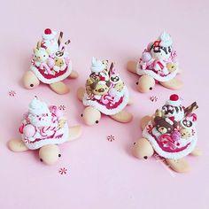 Fimo Kawaii, Polymer Clay Kawaii, Polymer Clay Charms, Polymer Clay Turtle, Polymer Clay Animals, Crea Fimo, Cute Baking, Miniature Crafts, Miniature Food