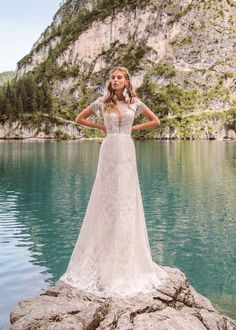 Etna wedding dress from collection Wind Rose 2019 by Armonia Wedding Styles, Wedding Dresses, Bride Dresses, Model, Collection, Wind Rose, Fashion, Atelier, Moda