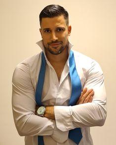 Beautiful Men Faces, Gorgeous Men, Hot Mexican Men, Hot Country Men, Handsome Faces, Men Handsome, Great Beards, Looking Dapper, Sexy Shirts