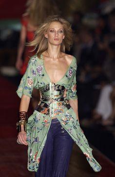 Roberto Cavalli Ready-to-Wear Spring / Summer 2003