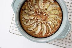Kage med havregryn og æble (100% Øko) - Annemette Voss