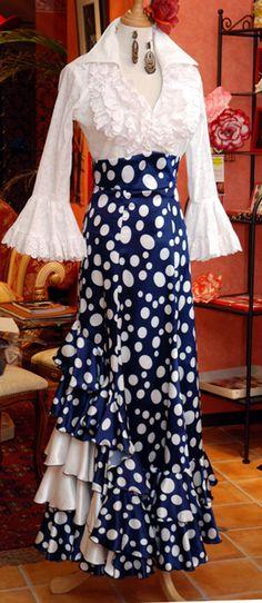 ハイウェストファルダ新登場! : SONIA JOHNES NOVEDADES Flamenco Skirt Pattern, Skirt Fashion, Fashion Dresses, Mexican Costume, Flamenco Costume, African Wear Dresses, Tango Dress, Mode Boho, Ballroom Dance Dresses