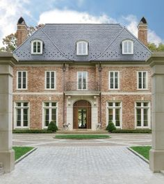 Traditional Exterior by Bunny Williams Inc. and 3north in Richmond, Virginia
