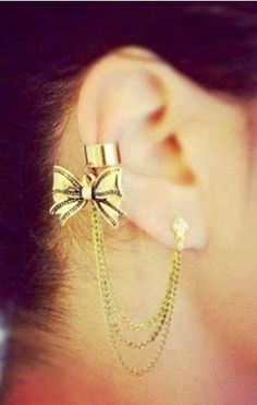 Gold bow cartilage piercing earrings #cartilage #earrings www.loveitsomuch.com