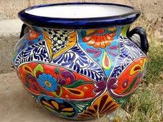 Talavera ceramic pot by La Tienda Store at www. Mexican Home Decor, Mexican Art, Mexican Style, Talavera Pottery, Ceramic Pottery, Painted Pots, Hand Painted, Pop Art, Mexican Garden