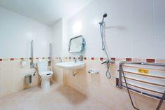 4 Tips for Bathing the Elderly Safely