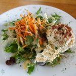 ヴィーガンズ カフェ アンド レストラン - サラダ