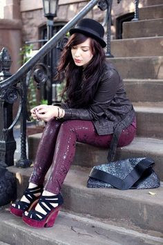totally love her outfit <3