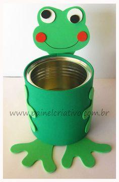 Utiliza foamy o goma eva para decorar latas de aluminio y ponerles un toque creativo y colorido. Forra completamente la lata con este mater...