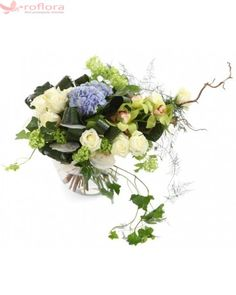 For my brother - Buchet din hortensia, minirosa si orhidee