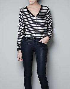 STRIPE BLOUSE - Woman ZARA Love how the strips works, sadly but theres no more stock sizes for me.