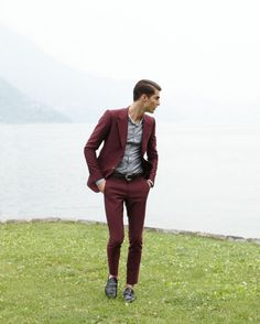Burgundy suit! Ideal for a field trip to the lake! XD - my fav colour right now.