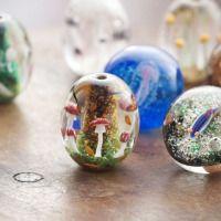 トンボ玉 Glass Beads Shop 彩元堂 saigendo Artist 増永 元 Gen Masunaga http://saigendo.main.jp/index.html English: http://saigendo.main.jp/english/  美しいトンボ玉ですね。 とても小さいです
