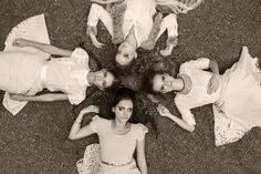 Trabalho produzido para a disciplina de Fotografia Aplicada II - Tema: O mágico de Oz. Modelos: Tallita Lins, Giovanna Souza, Aline Breda e Isadora Lisboa. Orientador: Danny Haiduk