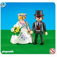 Des figurines de mariés Playmobil pour une pièce montée