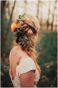 Syracuse Wedding Inspiration | Pretty Little Vintage Co. in Adams Center, NY | Wedding Hair | Boho Wedding | Florals | Bride Tattoo | Jovial Photography + Handmade Darling | www.redoakweddings.com