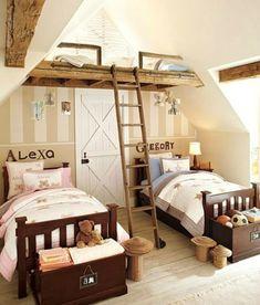 Kinderzimmer komplett rustikal mit Hochbett.