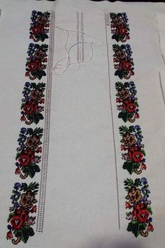 Floral Tie, Diy And Crafts, Embroidery, Diamond, Roses, Punto De Cruz, Dots, Needlepoint, Diamonds