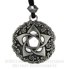 Pentacle of the Goddess jewelry pentagram Wiccan pendant Pagan Necklace Geeks, Wiccan Jewelry, Medieval Jewelry, Religious Jewelry, Pentagram Necklace, Steampunk, Wiccan Symbols, Five Pointed Star, Pentacle