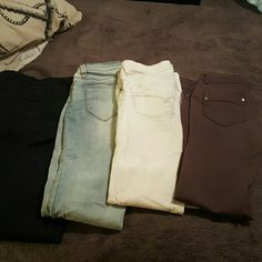 Flash Bundle of jeans Size 2 mossimo navy casual pants cello jeans size 3 jeans white bullhead jeans size 3 regular brown ci Sono jeggings  Size medium but fits size a 3 not medium I'm reposhing all these pants never worn thought I could lose weight to fit in these but never accomplished my goal just noticed whites have pink on the knee as seen in pik Bullhead Jeans