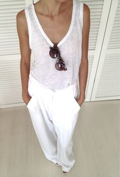 loose fit + all white