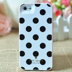 A fresh new design and a brighter bolder color palette, this Kate Spade case for iphone 5 is the ultimate fashion accessory.