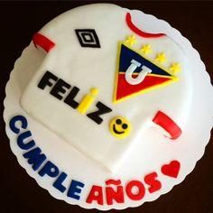 Torta decorada con fondant de la  Liga deportiva universitaria. Quito-Ecuador x.jisty