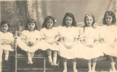 Six little Princess all in a row. Youngest to oldest: Princess Sophie, Princess Elisabeth, Princess Antonia, Princess Hilda, Princess Charlotte, and Princess Marie-Adelheid. Lovely!