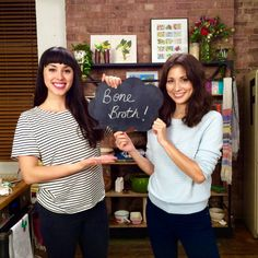 Watch our Hemsley + Hemsley step-by-step video guide to making the perfect Bone Broth! Helmsley And Helmsley, Lactose Free Recipes, Gluten Free, Dairy Free, Eating Raw, Clean Eating, Healthy Style, Healthy Eating Recipes, Healthy Food