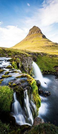 Kirkjufell Mountain in the Snaefellsnes Peninsula, waterfall and landscape in Iceland | 16 Reasons Why You Must Visit Iceland Right Now. Amazing no. #12