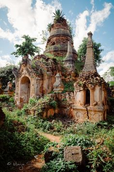 Ancient Pagodas - Shwe Inn Thein, Inle Lake, Burma