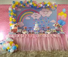 Chuva de amor Que cute! Por @fazendoafestaaa #chuvadeamor #festachuvadeamor #maedemenina #maededois #fiestasinfantiles #mundorosa #mundopink #menina #cute #love #decoracao #kids #infantil #talmaetalfilha #maeefilha #party