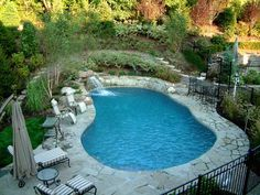 Having a nice swimming pool can be a good thing if you want to use your spacious backyard and have a nice small refreshing area. You can gather with your family in the seating area near the swimming pool. You can decorate your pool with small pool ga Inground Pool Designs, Small Inground Pool, Small Pools, Swimming Pool Designs, Pool Paving, Pool Landscaping, Cement Pavers, Courtyard Pool, Natural Swimming Pools