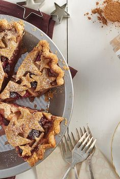 KIng Arthur's Flour Cranberry Apple Pie